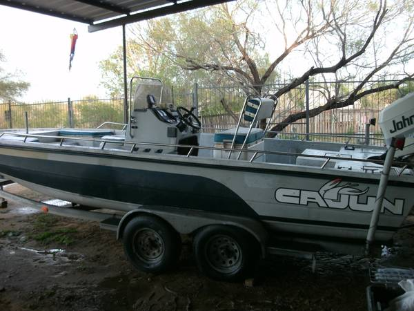 24ft Center-Console Bay Boat -   x0024 6400  Laredo  TX