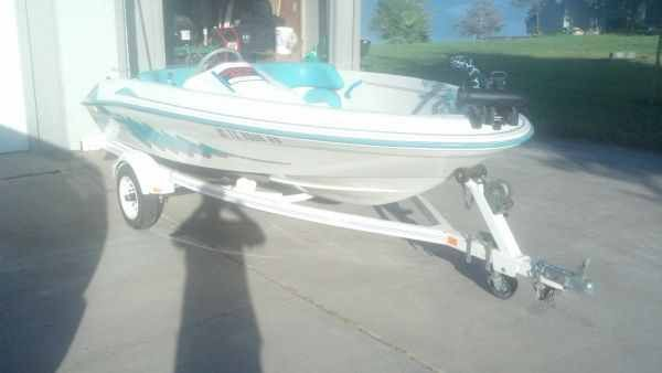 SEA RAY JET BOAT FAST AND FUN LIKE THE SEADOO TRADES OK (LAREDO )