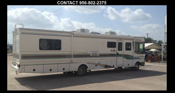 2001 FLEETWOOD BOUNDER RV   36FT  - $25000 (Edinburg)
