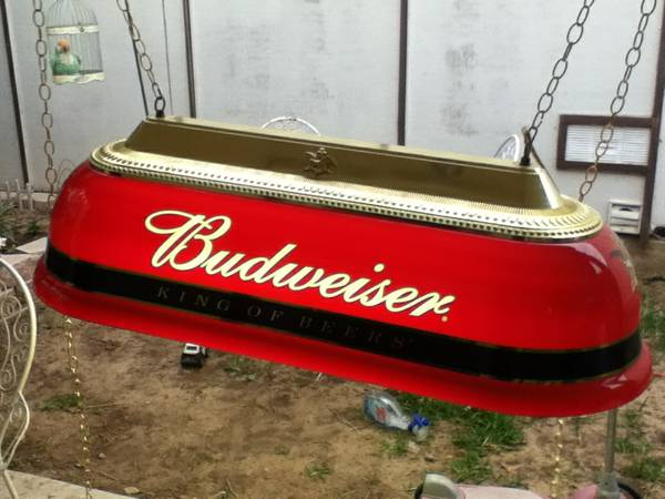 Budweiser Pool Table Light - $250 (St. Maria Lafayette)