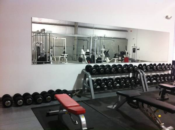 USED COMMERCIAL GYM EQIPMENT (LAREDO)