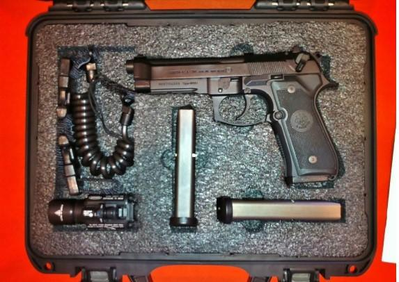 550  BERETTA M9A1 LEO Ed 92FS 3 Mags  Tactical Package