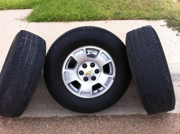Original Chevy Tahoe 2009 Rims Tires with Sensors - $450