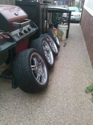 18 Rims For Sale 5 lug universal - $1200 (Laredo Tx)