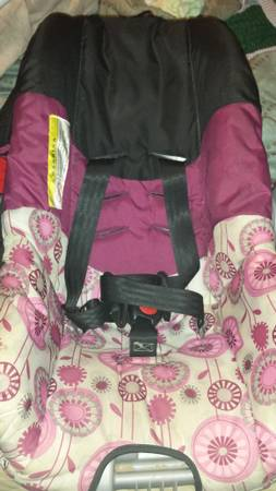 baby girl car seat -   x0024 15  south laredo