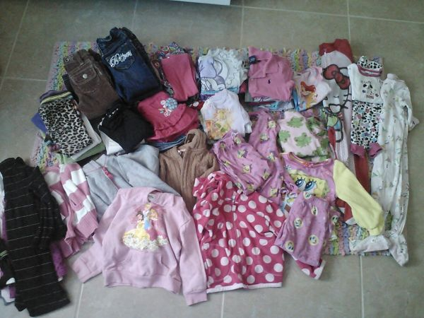 ALOT OF GIRL WINTER CLOTHES SIZE 2TFOUND MORE - $100