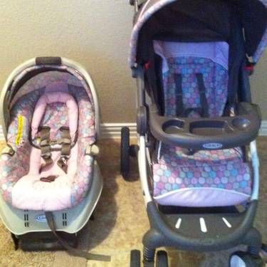 Graco Baby Stroller Carseat with Base Brown and Pink(REDUCED) - $90 (North Laredo)