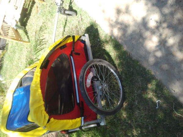 baby swing and baby CAR for bike (south laredo)