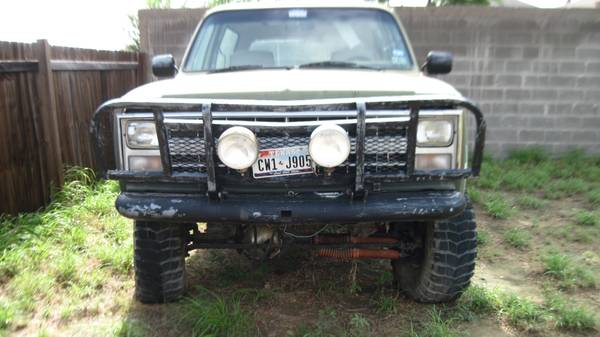 1985 Chevrolet Blazer k5 4x4 lifted - $3000 (Laredo, Texas)