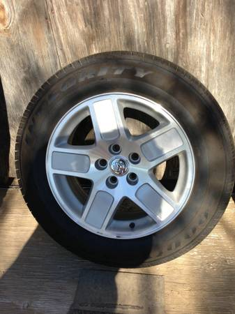 Dodge charger original rims with tires - $500 (Zapata tx)