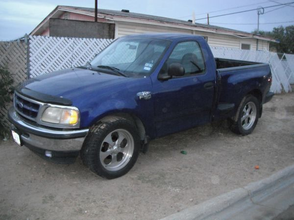Ford f150 1998 standard six cylinders Ford f150 1998 seis cylindros - $3500 (laredo,tx)