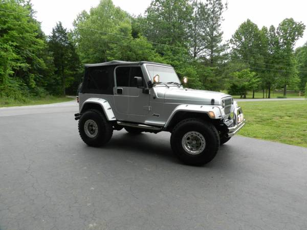EXCEPTIONAL 2004 Jeep Wrangler - $2000