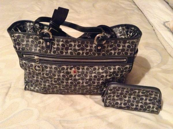 Coach authentic diaper bag - $70 (Mines rd, laredo)