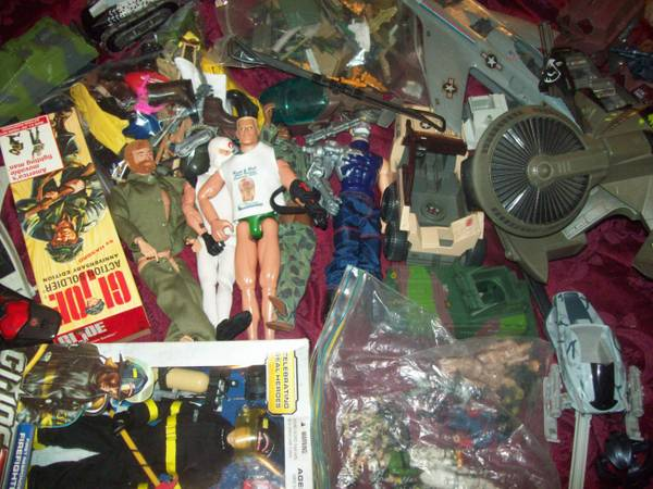 GIJOE HUGE VINTAGE AND MODERN LOT  -   x0024 180  SOUTH SIDE