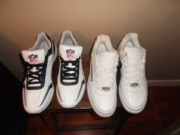 Reebok Cowboys Shoes sz 9 - $40 (North Laredo)