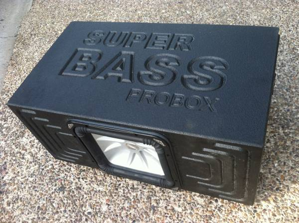 Super bass probox 12 - $100 (Laredo)