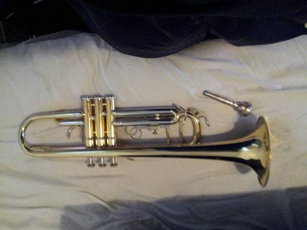 F.Schmidt Trumpet, Model H300L case included - $400 (South Laredo, Texas)