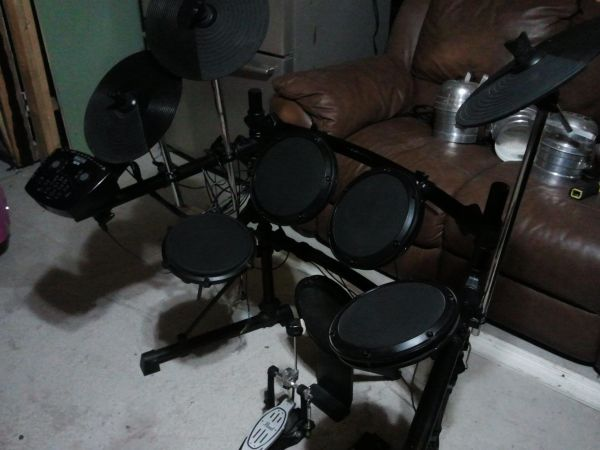 Simmons SD7K drum set - $300 (mines rd)