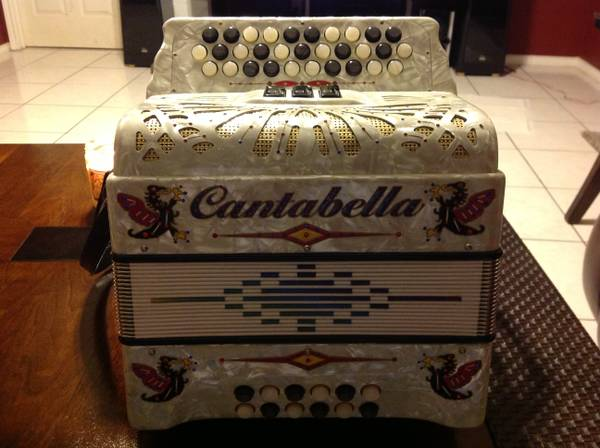 Cantabella Accordion (FBE) - $1000 (Laredo, Tx)