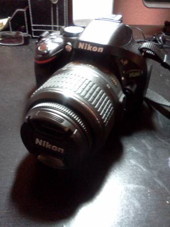 Nikon D5200 Black - 18-55mm VR Lens  -  650  North Side Laredo