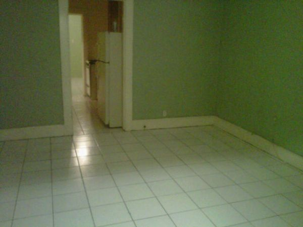 $550 600ftsup2 - all utilities included (119 south cage Pharr)