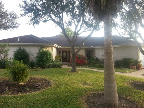 $1600 4br - 2455ftsup2 - Must See. 4Br3.5 BA with lake and golf courseview (Pharr Plantation Country Club)