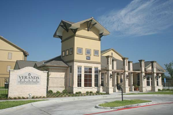 - $360 Veranda Place Apartments - take over lease (Edinburg )
