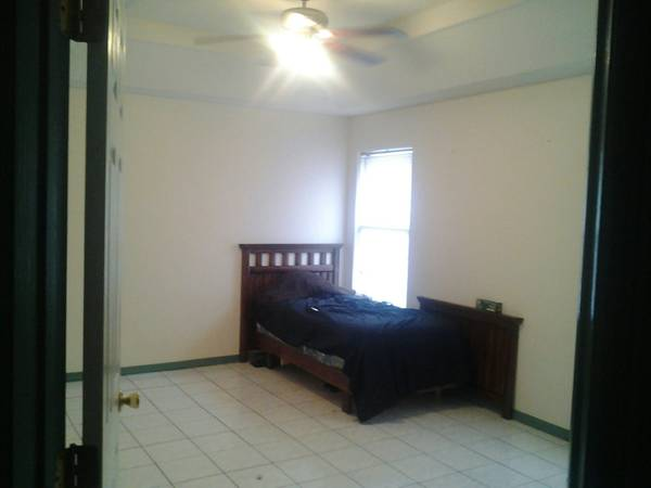 x0024250 room for rent (pharr, tx.)