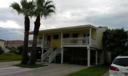 - $365 4br - 1800ftsup2 - South Padre Island Duplex for Vacation Rental (E. Kingfish, 5 houses from the beach)