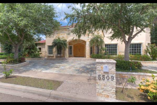 - $749000 Nestled in the Heart of North McAllen (McAllen)