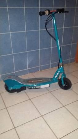 Electric razor Scooter E200 -   x0024 100  palmview