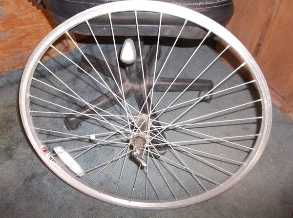 26in mountain bike front rim and seat - x002415 (mission)