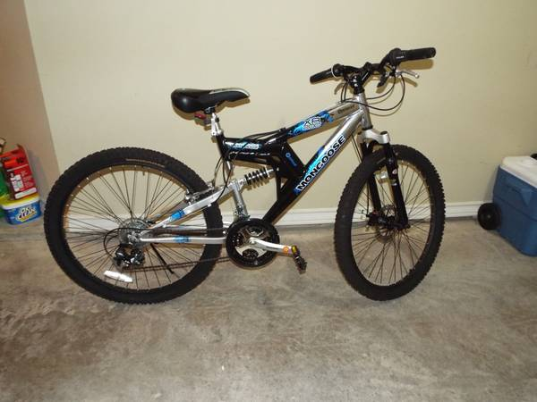 Mongoose XR-200 26 Mens All-Terrain Bike Bicycle - $150 (MISSION)