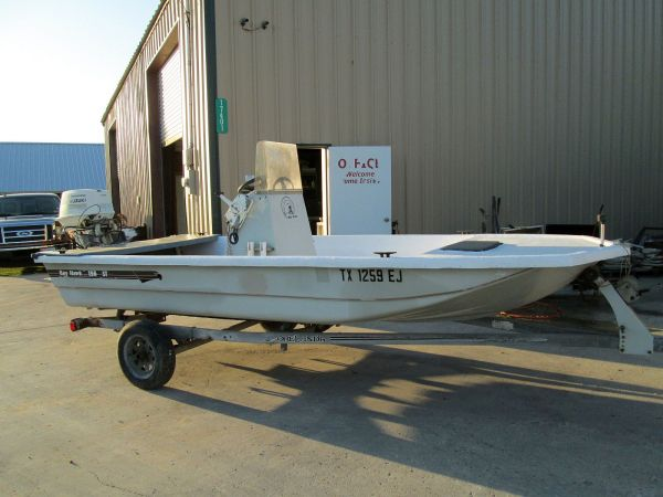 Bayhawk 156 Tunnel Hull Boat 50-HP