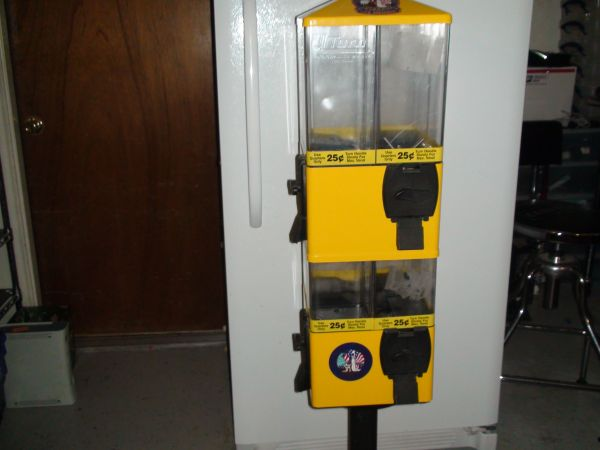 U Turn Terminator 8 selection vending machine - $250 (Mission)