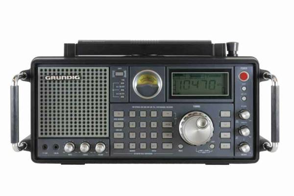 BRAND NEW GRUNDIG SATELLIT 750 RADIO AIRCRAFT BAND    -   x0024 300  Pharr