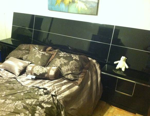 Lacks Bedroom set, must go - $1000 (Mcallen)
