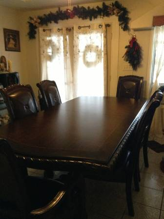Beautiful lacks table for sale vendo Bonito comedor de lacks - $1750 (Alamo)