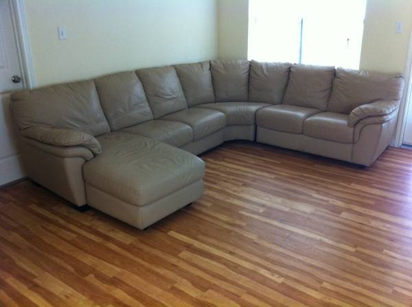 Gran Sofa De Cuero De Color Marron - $500 (Mission, TX)
