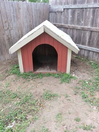xl dog house - $50 (mcallen)