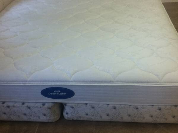 .....GOOD CONDITION DEEP SLEEP SIMMONS SET (SOUTH MCALLEN)