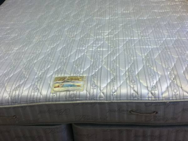name brand king mattress sets....good condition - $115 (south mcallen)