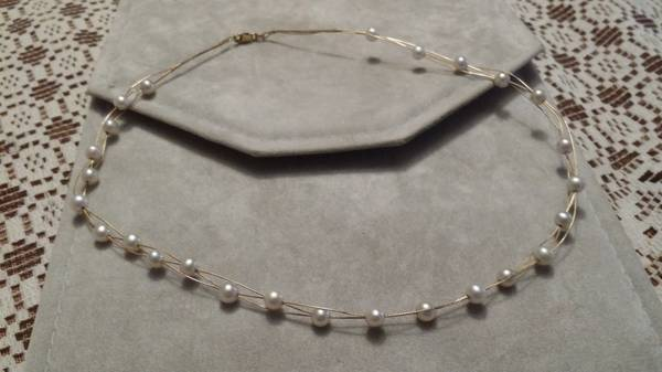 authentic fresh water pearl w gold necklace  donna