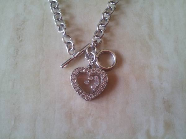 White Heart Necklace 14k -   x0024 650  McAllen