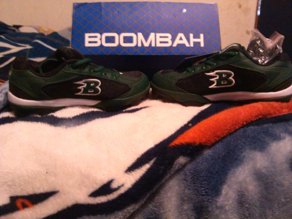 new boombah cleats size 5 youth - $25 (mission mcallen)