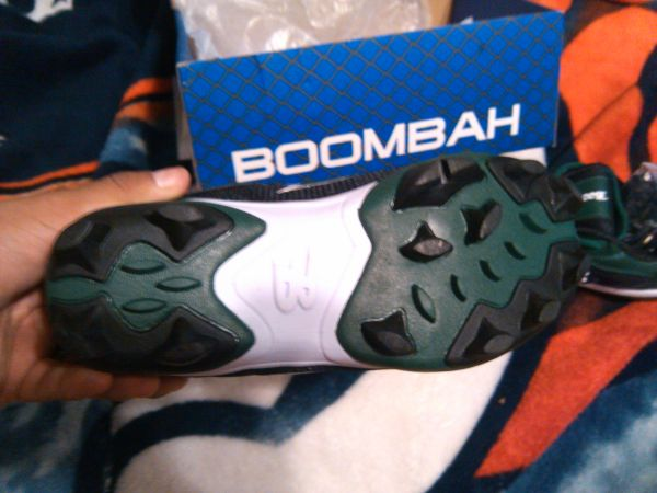 boombah shoes and back pack new - $60 (mission mcallen)