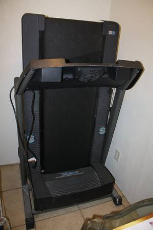 Treadmill-Proform XP 680 Crosstrainer - $350 (Donna)