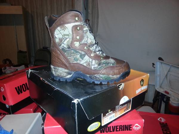 game winner boots awsome for hunting - $1 (weslaco)