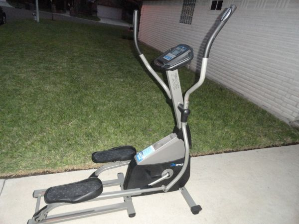 MERIT FITNESS 720E ELLIPTICAL TRAINER - $125 (RGV)