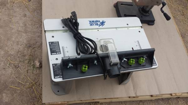 router blue hawk - $50 (pharr)